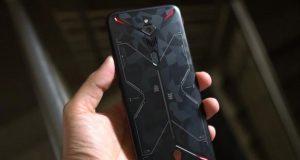 Smartphone dengan Daya Tahan Baterai Paling Awet